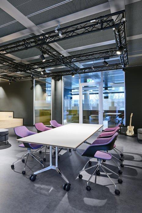 Referenzobjekt Bürogebäude Bodenbelag
